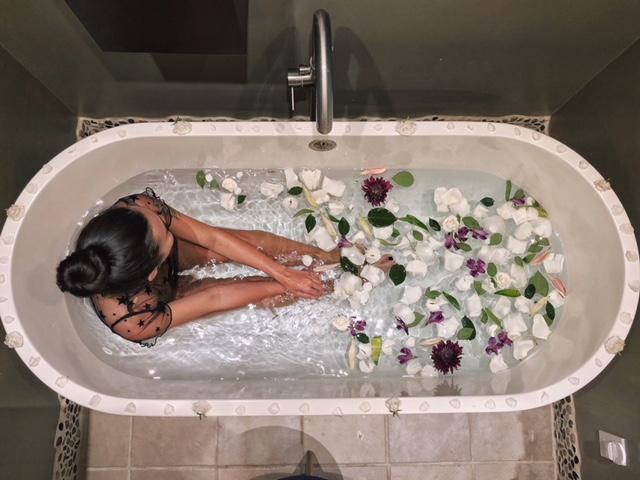 Cleansing bath